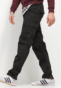 Carhartt WIP - REGULAR COLUMBIA - Cargobroek - black rinsed - 3