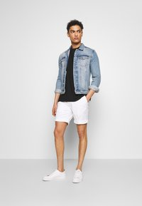 Baldessarini - JOERG - Shorts - white - 1