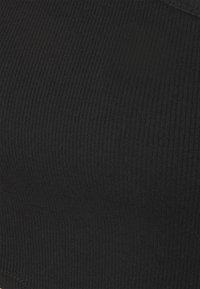The Ragged Priest - AYSYMETRIC TRIGGER STRAP TOP - Top sdlouhým rukávem - black - 2