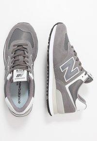 New Balance - ML574 - Zapatillas - dark grey - 1