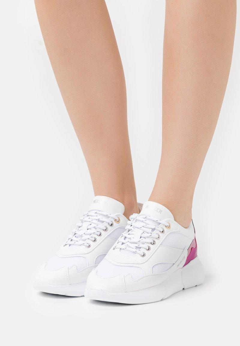 Mercer Amsterdam - Baskets basses - white/pink