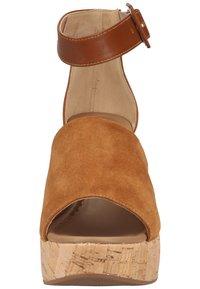NeroGiardini - Wedge sandals - tabacco - 5