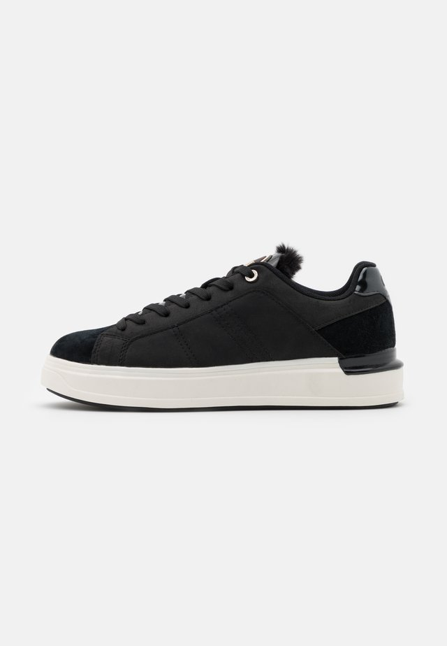 BRADBURY - Trainers - black