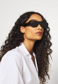 RETROSUPERFUTURE - ISSIMO - Sonnenbrille - black - 3