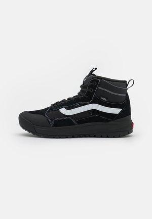 ULTRARANGE EXO MTE-1 UNISEX - Sneakersy wysokie - black