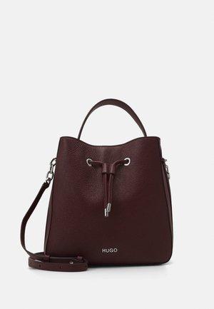VICTORIA - Across body bag - dark red