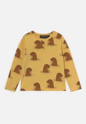 WALRUS GRANDPA UNISEX - Pitkähihainen paita - yellow