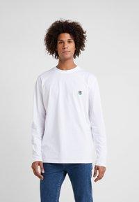 Tonsure - DAVID - Langærmede T-shirts - white copenhagen teddy - 0