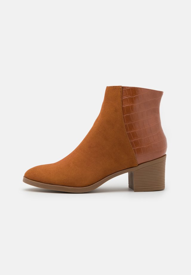 OAKLI - Ankle boots - tan