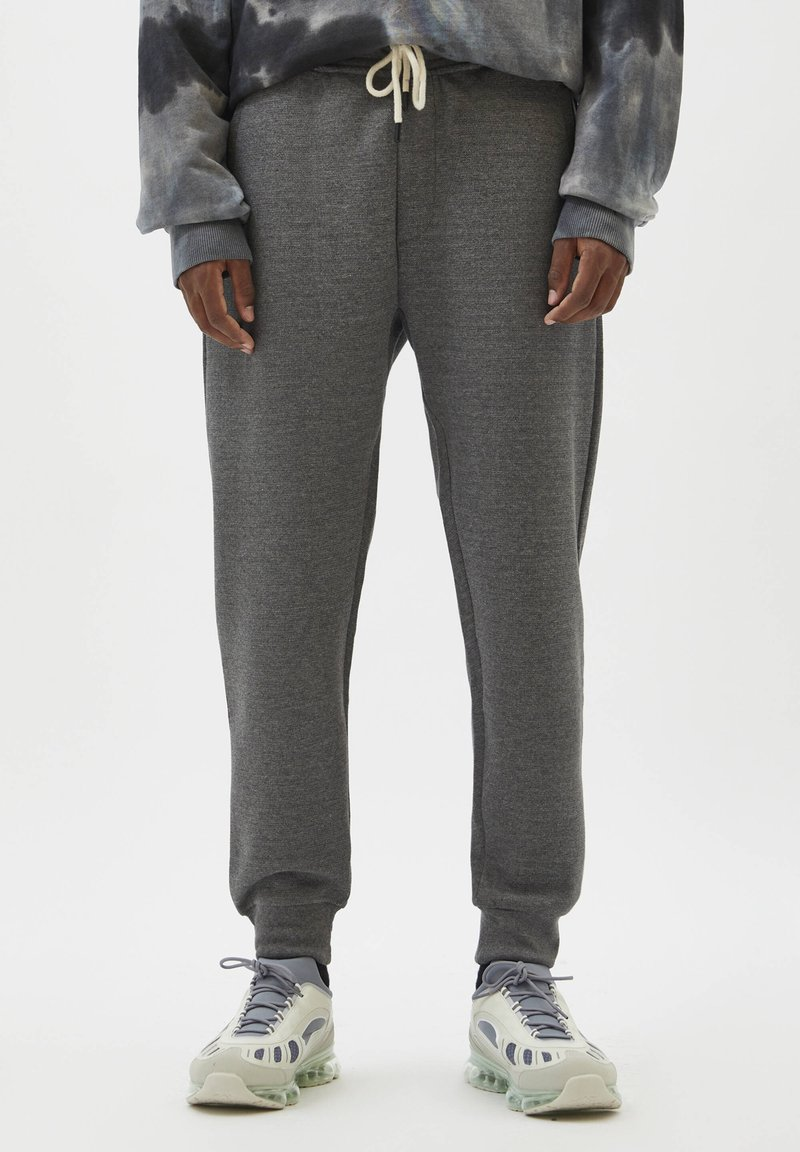 PULL&BEAR - Träningsbyxor - mottled grey