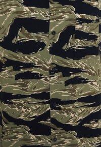 Denham - BOWLING SUMP - Shirt - olive/black/beige - 2