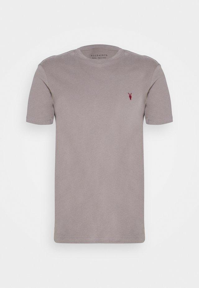 BRACE CONTRAST CREW - Print T-shirt - gargoyle grey