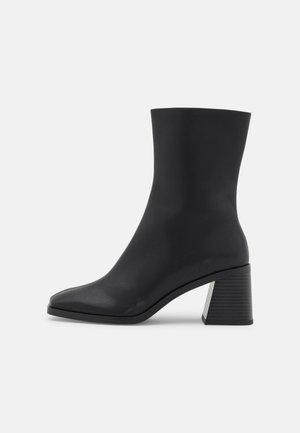 ROONEY BOOT VEGAN - Classic ankle boots - black dark