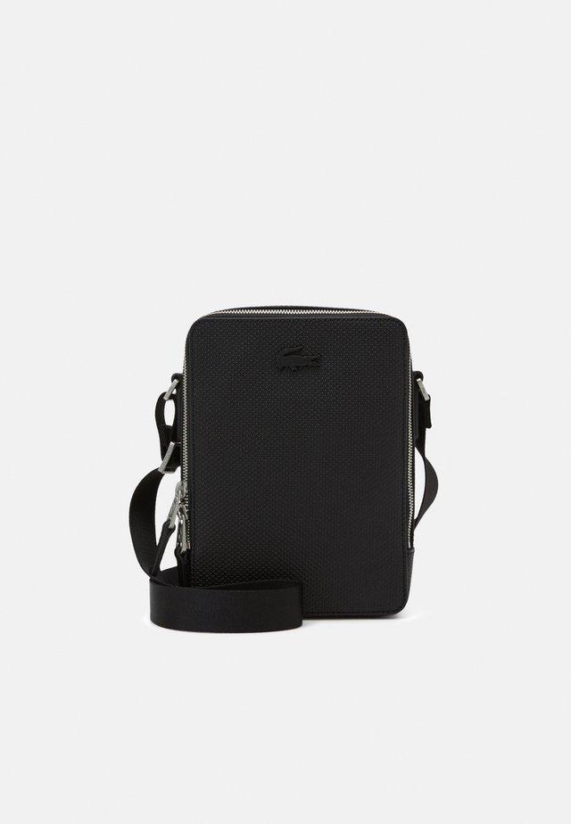 VERTICAL CAMERA BAG UNISEX - Across body bag - noir