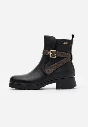 NEW NANCY - Støvletter - black