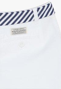 Polo Ralph Lauren - SOLID BOTTOMS - Kraťasy - white - 4