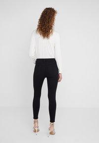 Frame Denim - ALI HIGH RISE CIGARETTE - Jeans straight leg - noir - 2
