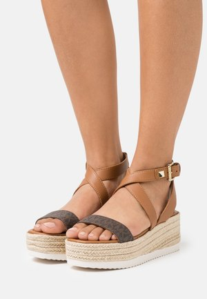 LOWRY WEDGE - Platform sandals - brown
