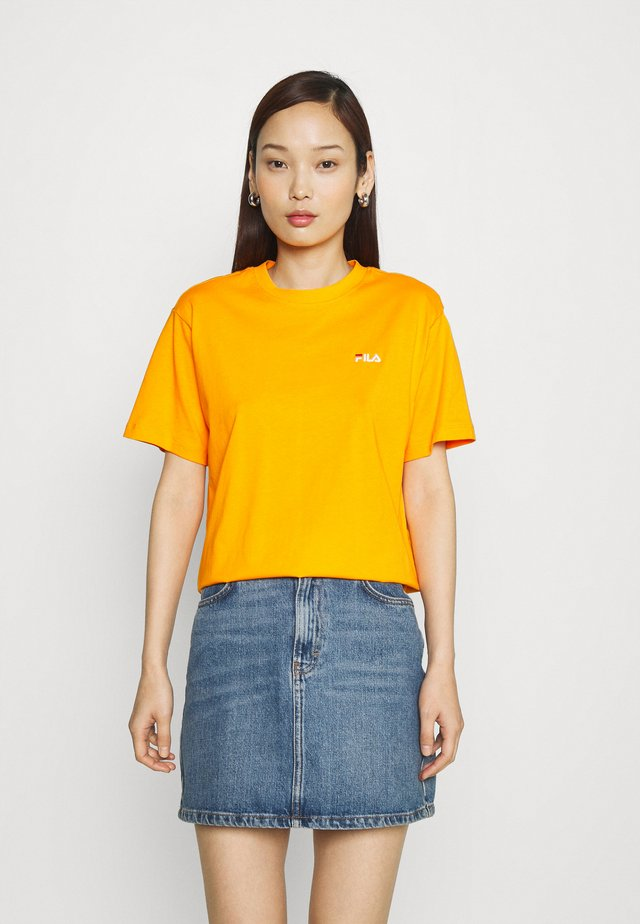 EARA TEE - Jednoduché triko - flame orange