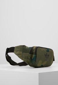 adidas Originals - CAMO WAISTBAG - Bum bag - green - 3