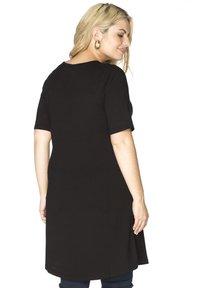 Yoek - Basic T-shirt - black - 1