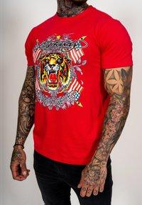 Ed Hardy - TIGER LOS T-SHIRT - Print T-shirt - red - 4