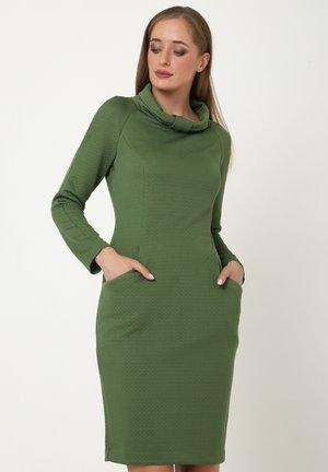 ALLTAGSKLEID PRIMADONNA - Shift dress - grün