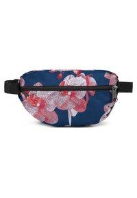 Eastpak - SPRINGER CHARMING GARDEN - Bum bag - charming pink - 1