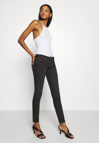 Tommy Jeans - SOPHIE ANKLE ZIP  - Jeans Skinny Fit - bird black - 3