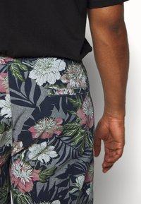 Jack´s Sportswear - FLORAL CHAMBRAY  - Shorts - dunkelblau - 5