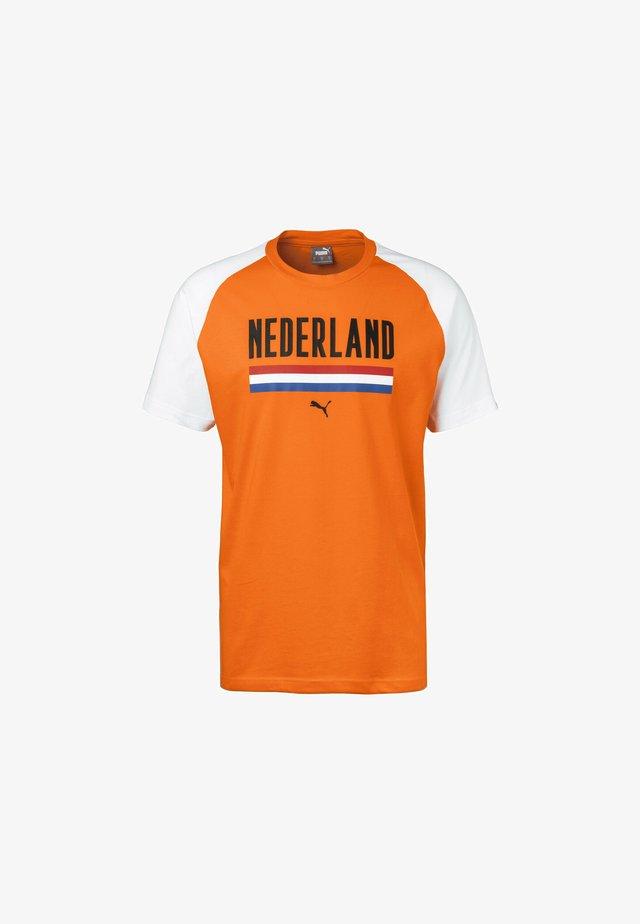 T-shirt print - vibrant orange/white