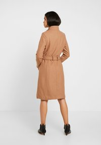 Vero Moda Tall - VMDANIELLA LONG JACKET - Manteau classique - tobacco brown - 2