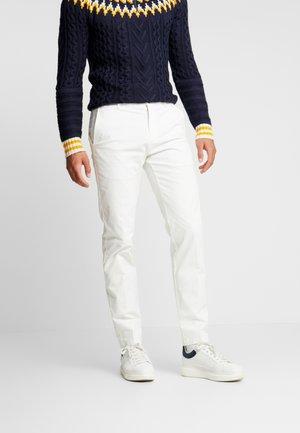 SLIM FIT FLEX PANT - Spodnie materiałowe - white