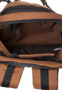 Carhartt WIP - KICKFLIP BACKPACK - Rygsække - hamilton brown - 3