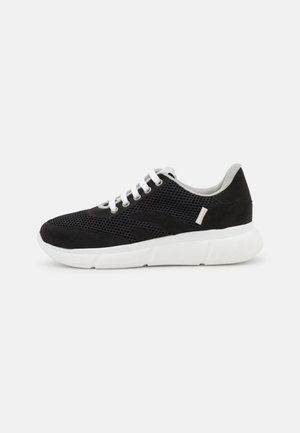 SPEED RECYCLED - Trainers - black