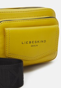 Liebeskind Berlin - CROSSBODY XS - Across body bag - cream gold-coloured - 3