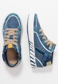 Geox - ALONISSO BOY - Zapatillas altas - avio/beige - 0