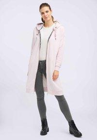 DreiMaster - Zip-up hoodie - powder pink melange - 1