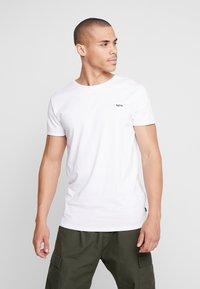 Tigha - HEIN - T-shirt - bas - white - 0