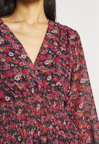 WAL G. - HANNAH PRINTED FROCK - Robe d'été - black/red - 5