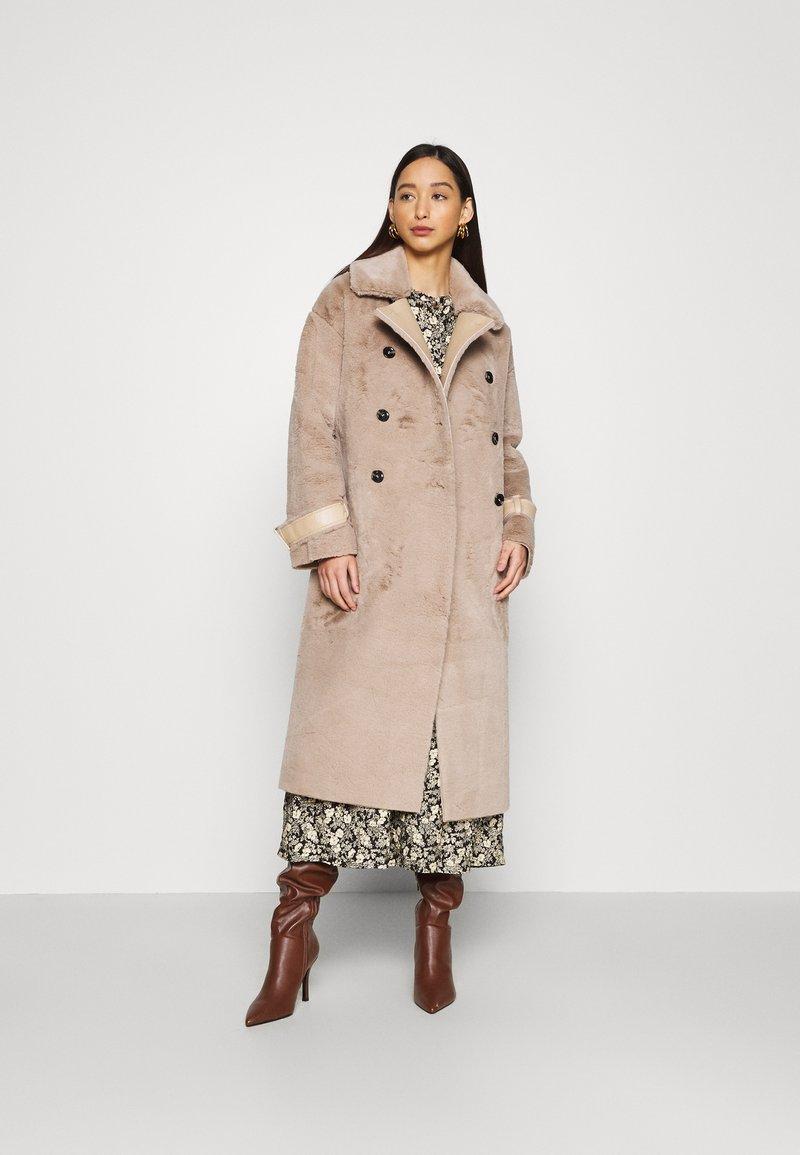 Topshop - REVERSIBLE COAT - Classic coat - mink