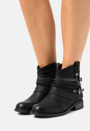 PERSEA - Kovbojské/motorkářské boty - black