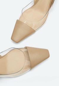 Uterqüe - Classic heels - beige - 4