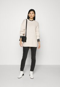 Marc O'Polo - LONGSLEEVE ROUND NECK - Pullover - off white - 1