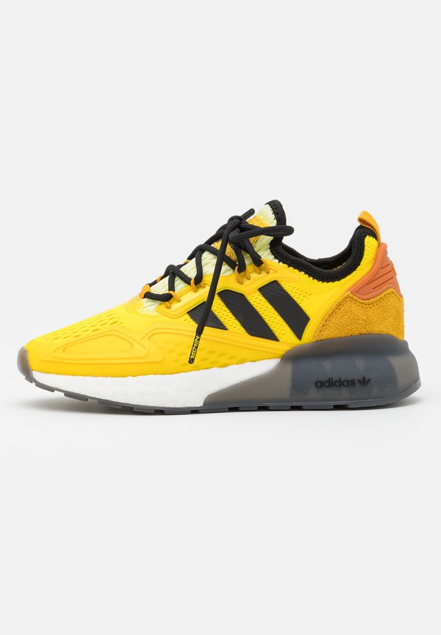 NINJA ZX 2K BOOST SHOES UNISEX - Zapatillas - yellow/legend gold/tech copper