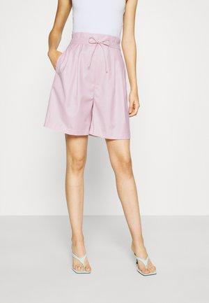 JULIE - Shorts - lilacsnow