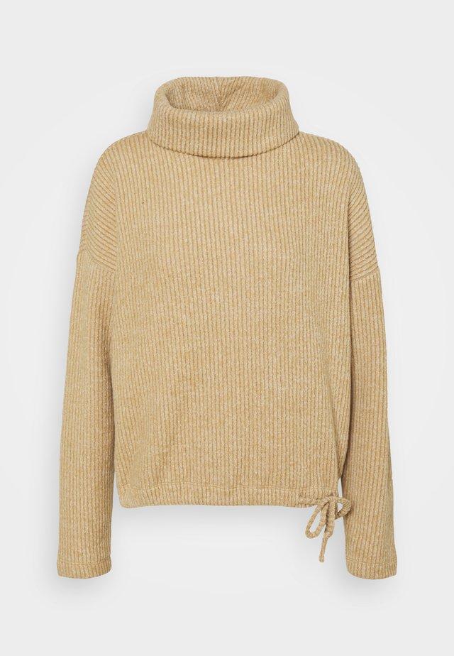 ROLL NECK SWEATER - Sweter - light camel melange