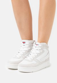 Fila - FXVENTUNO MID - High-top trainers - white/marshmallow - 0