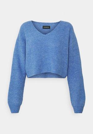 Strikkegenser - light blue