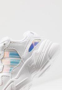 adidas Originals - YUNG-96 EL - Slip-ons - footwear white/core black - 2